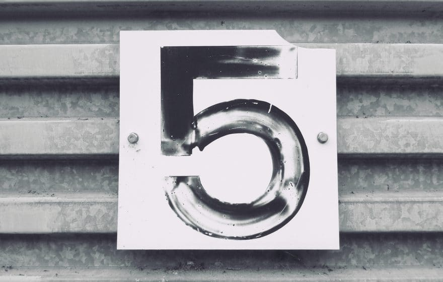 number 5 in a sign