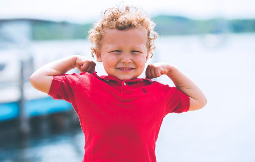 young kid with red t-shirt